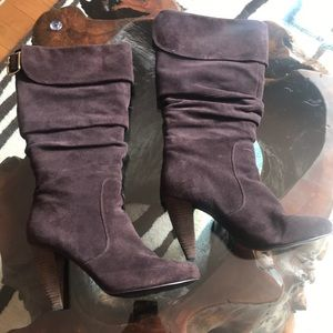 Brown suede Steve Madden boots